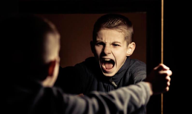 Llamada a padres con menores con trastornos de conducta